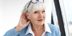 Problèmes auditifs et visuels chez les personnes âgées